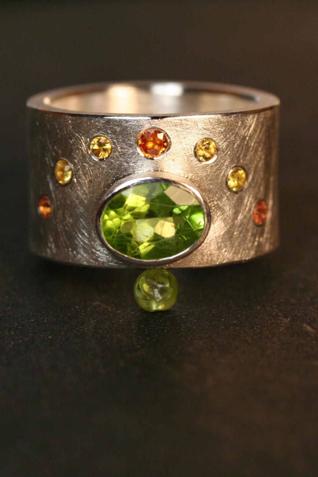 Richi Atelier Wide Band Ring - Side Cropped Image