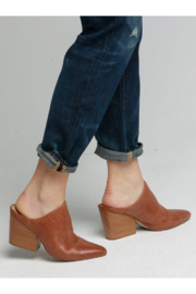 Able Rojas Mule In Cognac - Front cropped