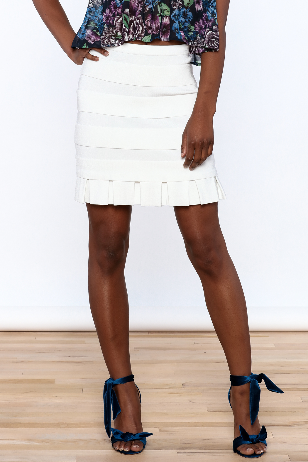 Rolando Santana White Fitted Skirt - Front Cropped Image