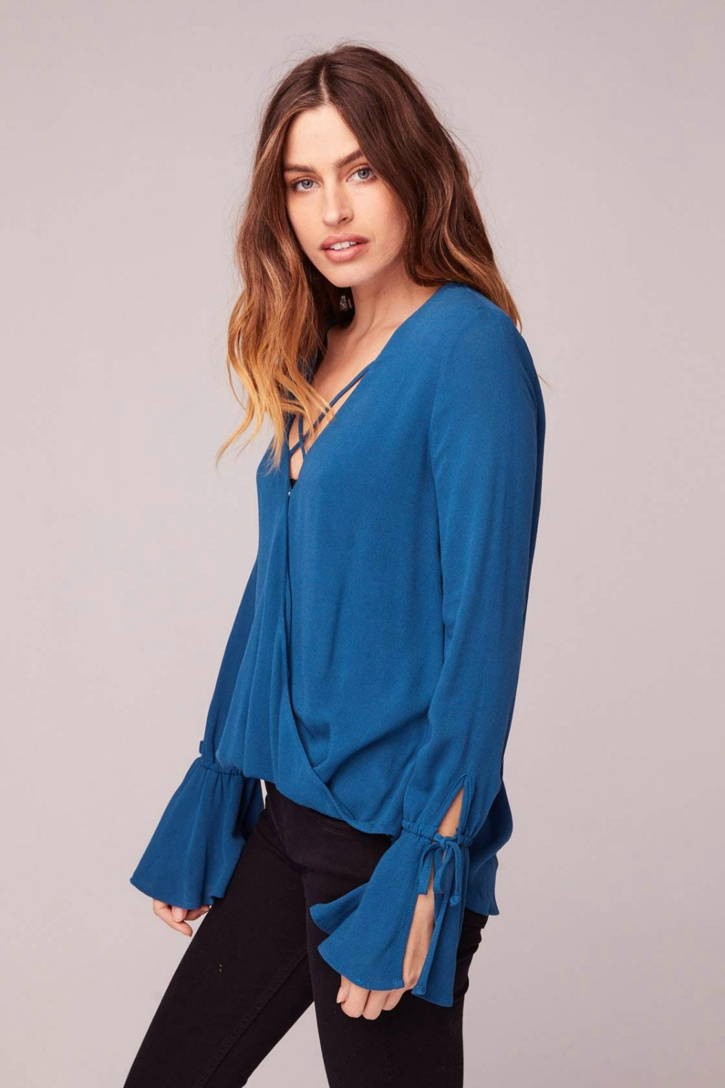 Band Of Gypsies ROME BELL SLEEVE BLOUSE - Side Cropped Image