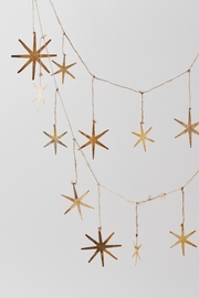 Roost Starburst Christmas Garland - Front cropped