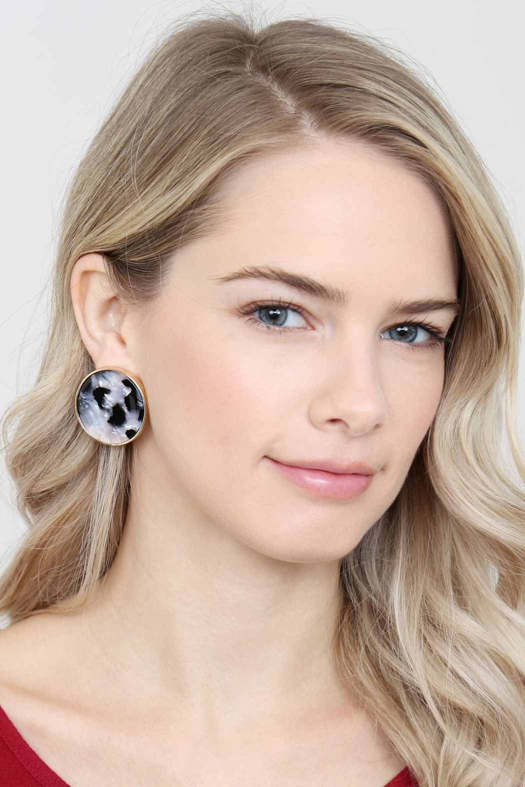 Riah Fashion Round-Framed Acetate Earrings - Side Cropped Image