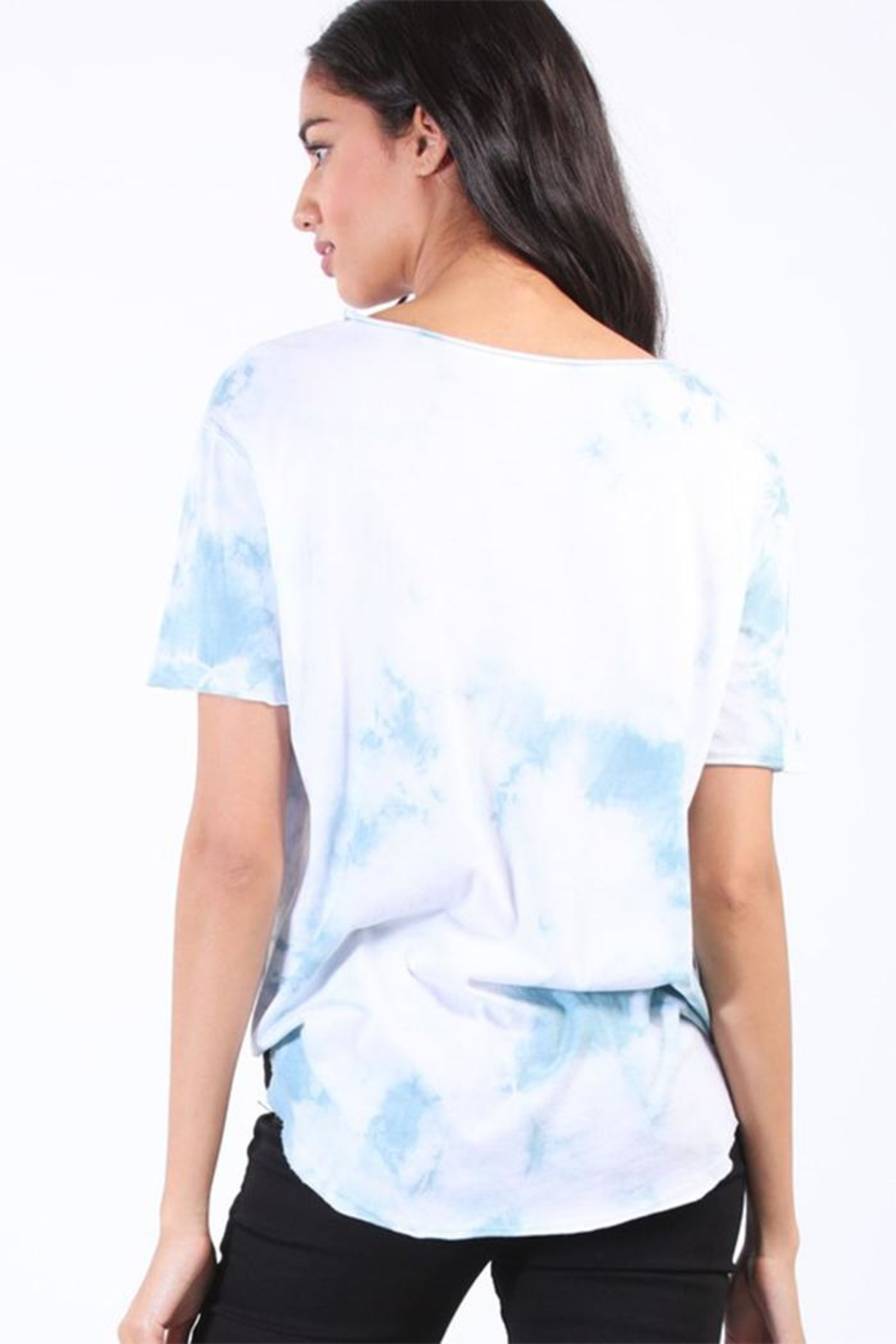 Final Touch Round Hem Tee - Side Cropped Image
