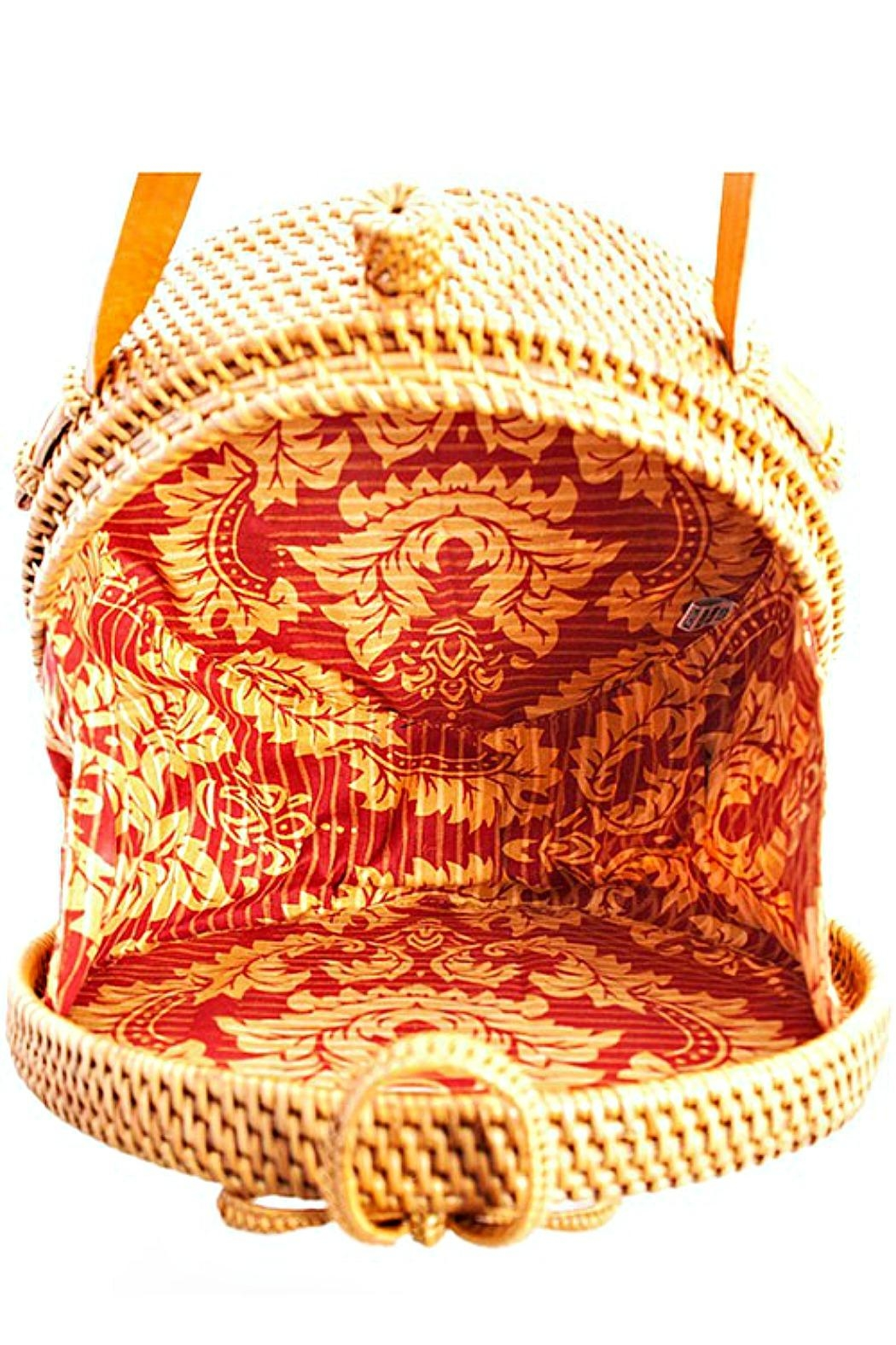 AGP Apparel Round Rattan-Straw Bag - Side Cropped Image
