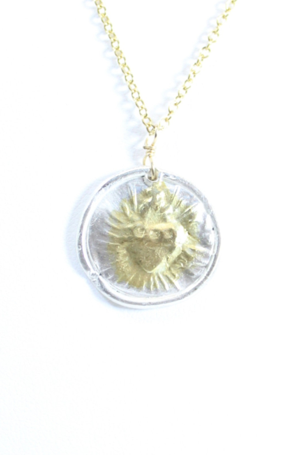 The Birds Nest ROUND SACRED HEART NECKLACE - 9 INCH CHAIN - Front Full Image