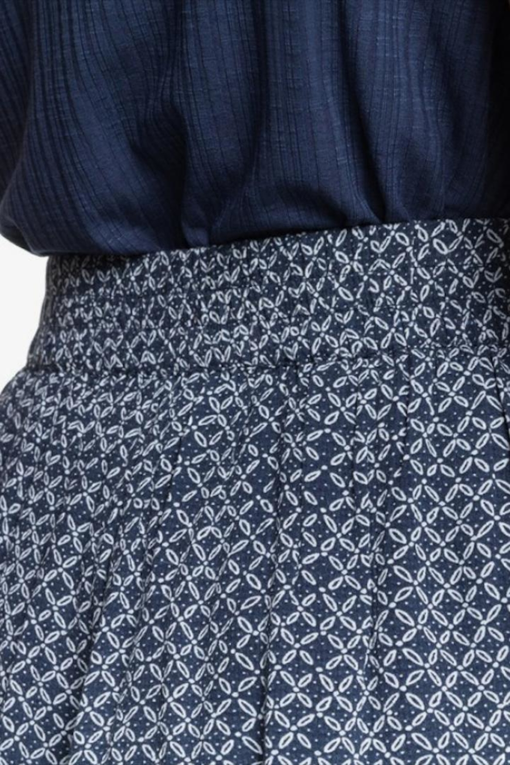 Roxy Printed Flowy Shorts - Side Cropped Image