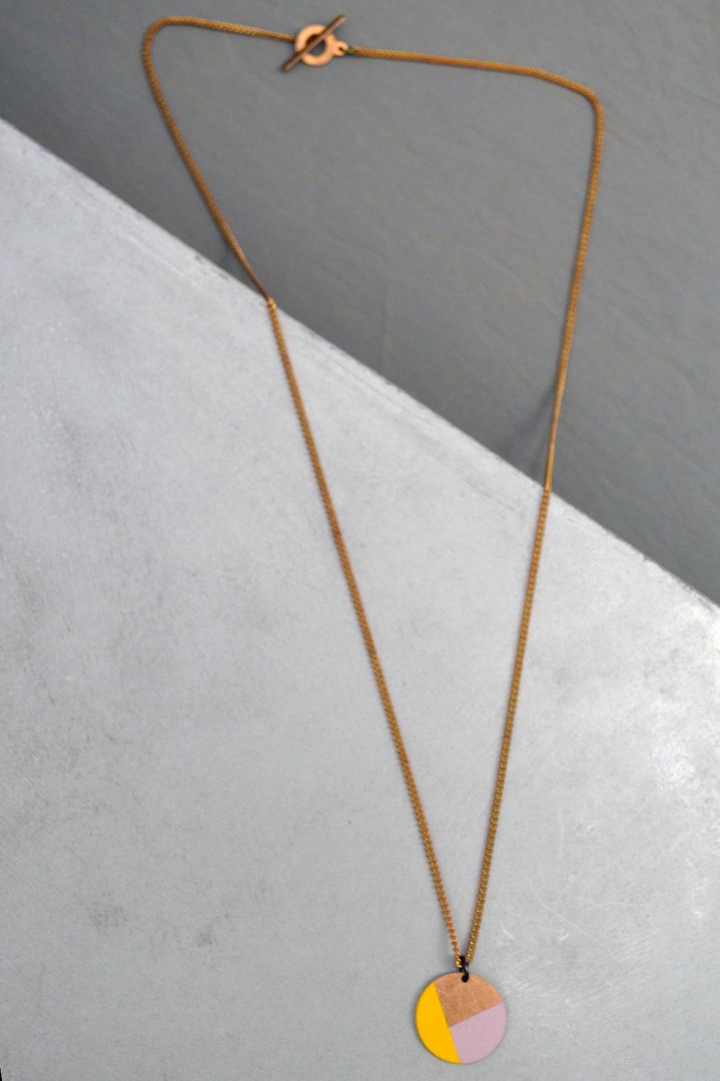 Ruby on Tuesday Color-Blocking Circle Necklace - Front Cropped Image