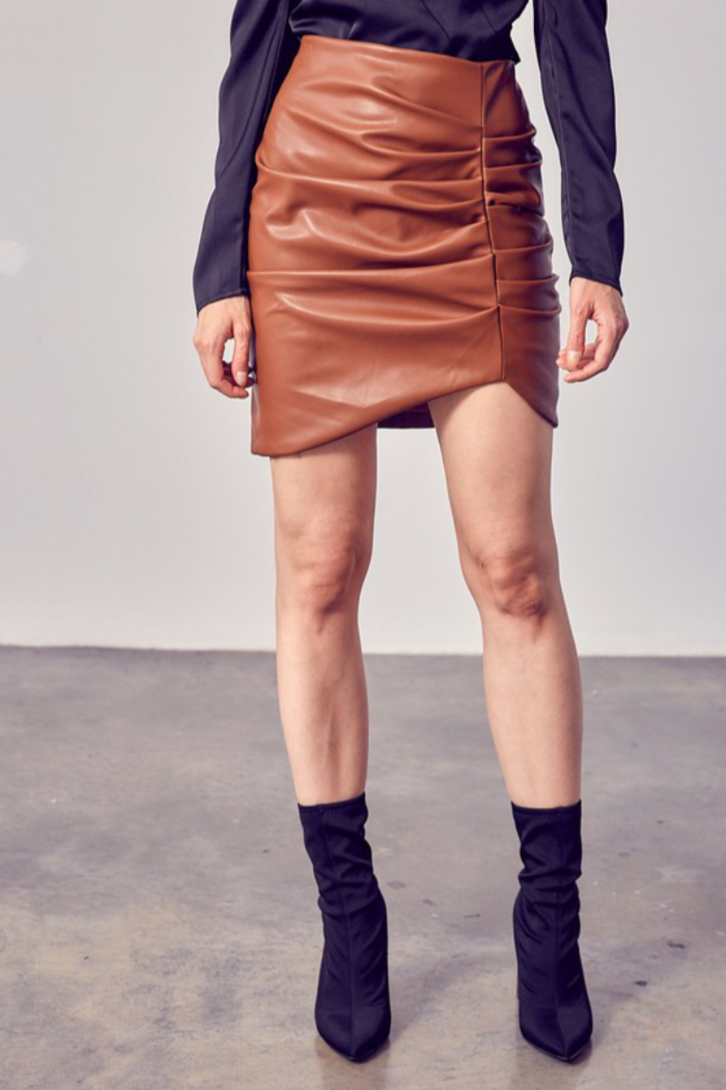Do & Be RUCHED DETAIL PU SKIRT - Main Image