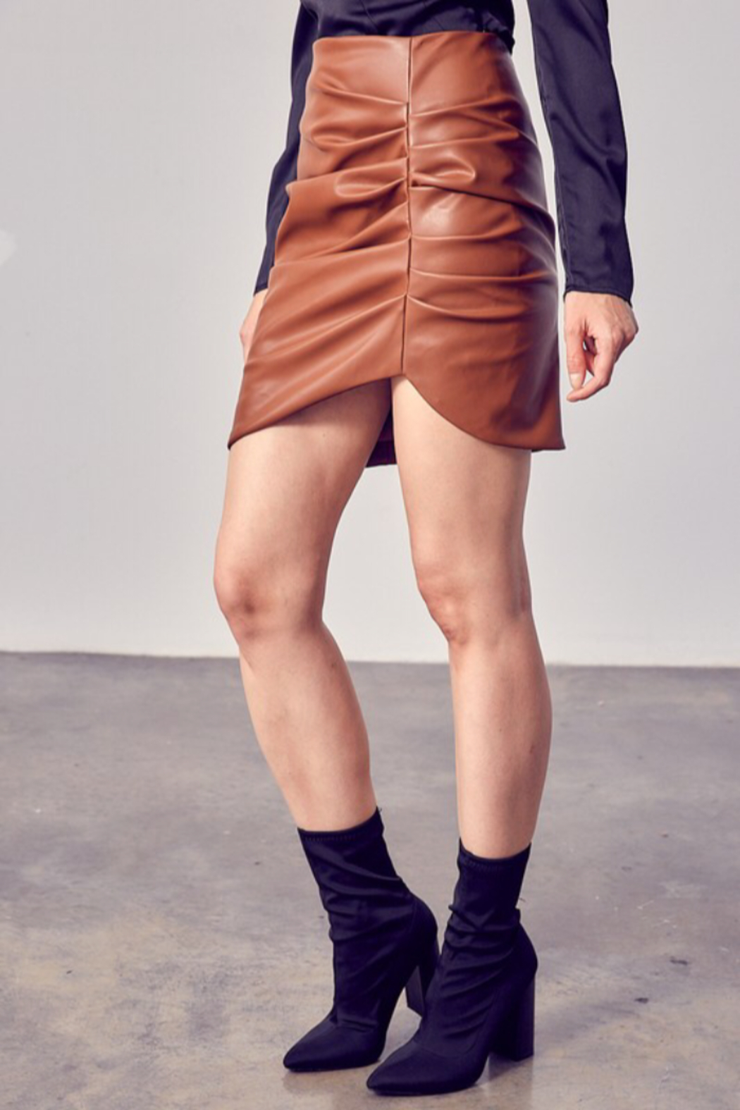 Do & Be RUCHED DETAIL PU SKIRT - Front Full Image