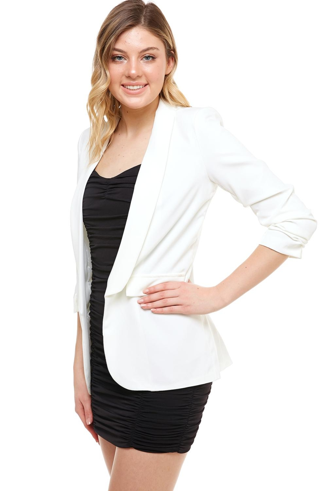 Venti 6 Ruched Sleeve Blazer - Front Full Image