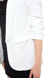Venti 6 Ruched Sleeve Blazer - Back cropped