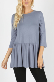 Z Ruffle Bottom Top - Front cropped