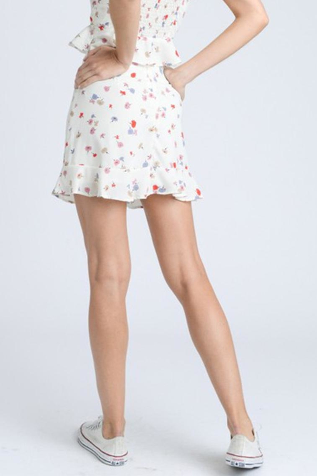 storia Ruffle Floral Skirt - Side Cropped Image