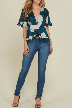 Heart & Hips Ruffled Floral Top - Alternate List Image