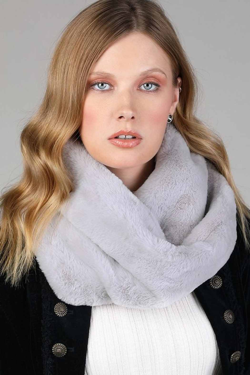 Ruggine Plush Infinty Scarf - Front Cropped Image