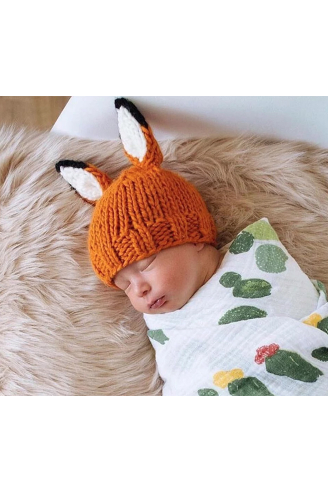 The Blueberry Hill Rusty Fox Knit Hat - Side Cropped Image