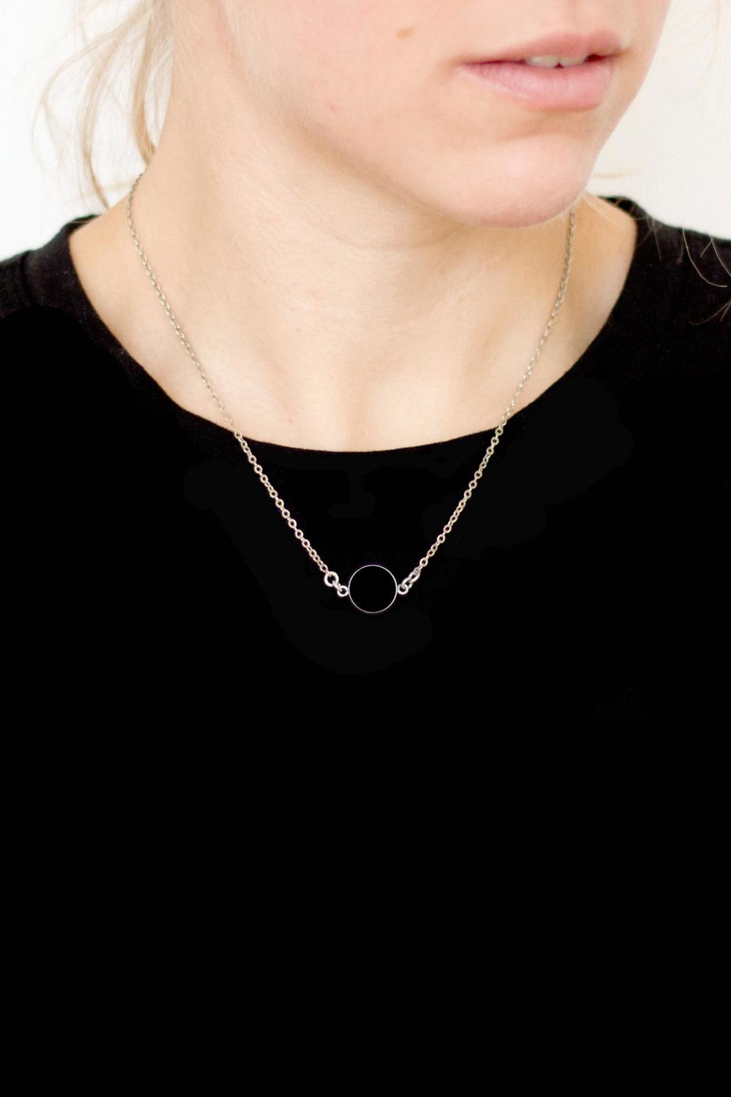 Sable + Company Onyx Necklace - Side Cropped Image