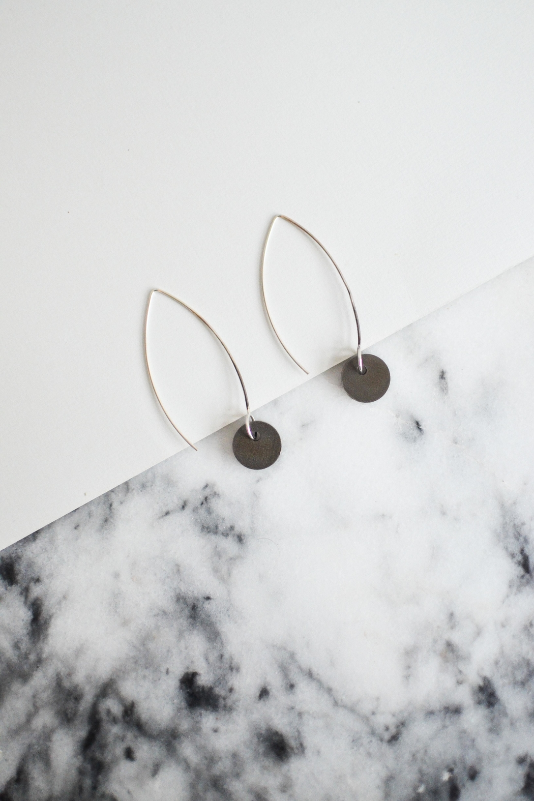 Sable + Company Small Circle Thread-Earrings - Side Cropped Image