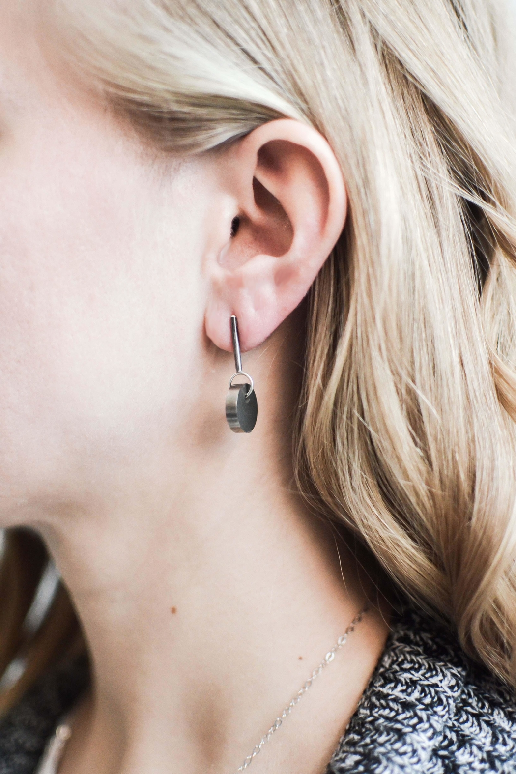 Sable + Company Solid-Circle Drop Earrings - Side Cropped Image