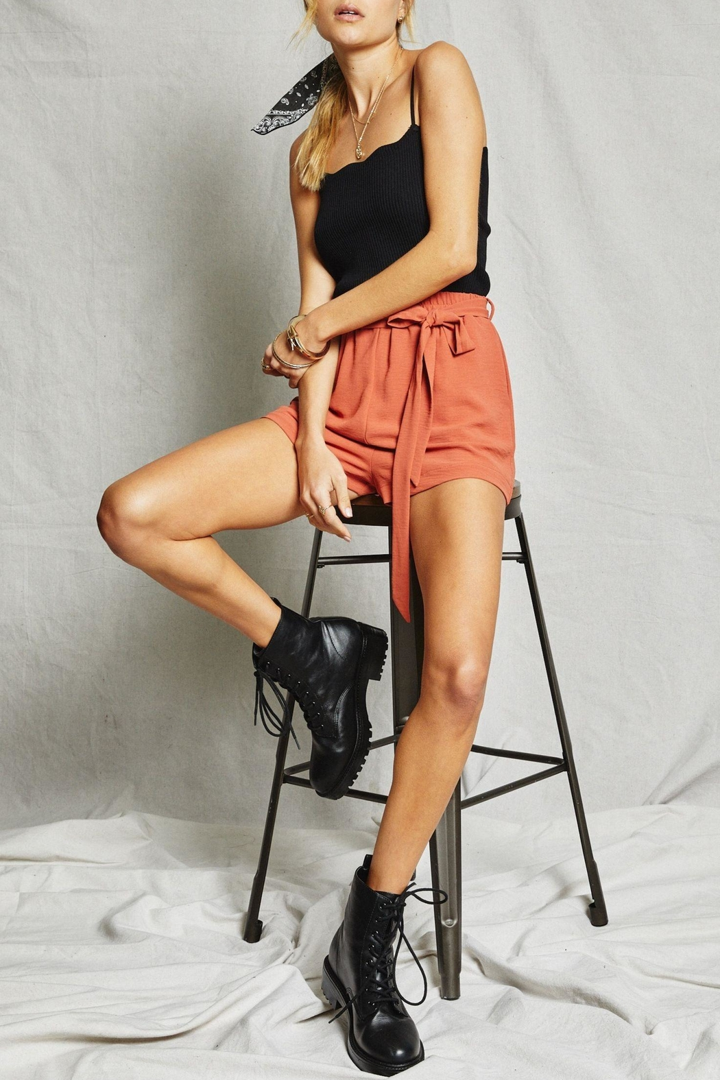 SAGE THE LABEL Ribbed Scalloped Tank - Side Cropped Image