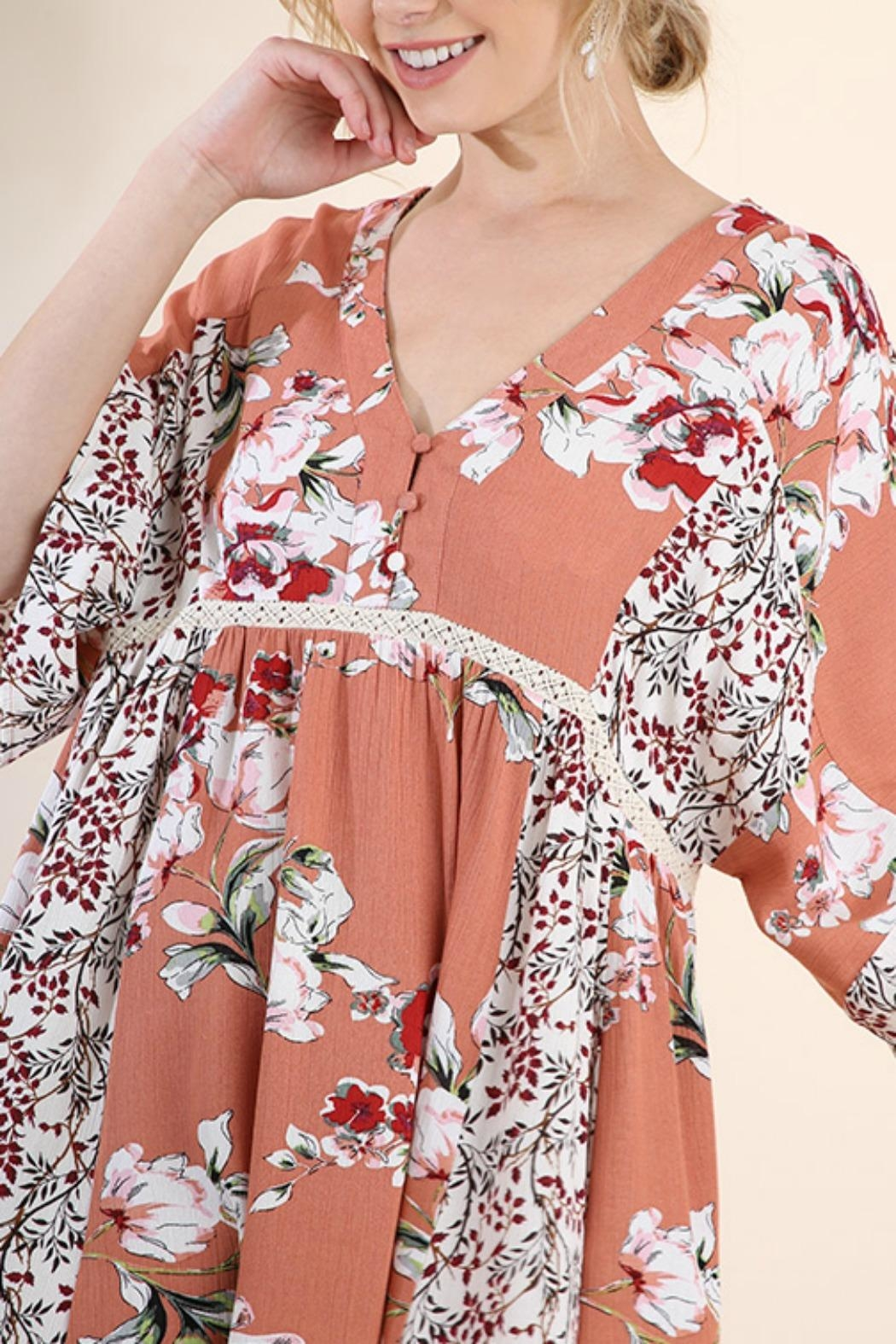 Umgee USA Salmon Mix Floral - Front Full Image