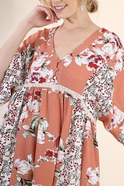 Umgee USA Salmon Mix Floral - Front full body