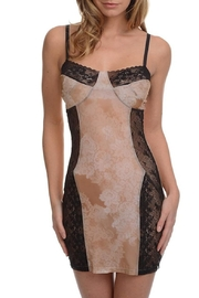Samantha Chang Filigree Fitted Chemise - Front cropped