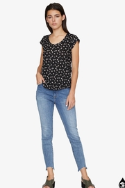 Sanctuary Floral Alma Tee - Side cropped