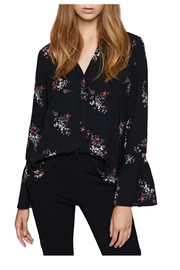 Sanctuary Floral Flutter Top - Front cropped
