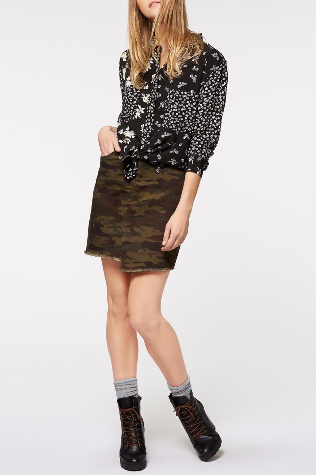 Sanctuary Patchwork Uptown Blouse - Side Cropped Image