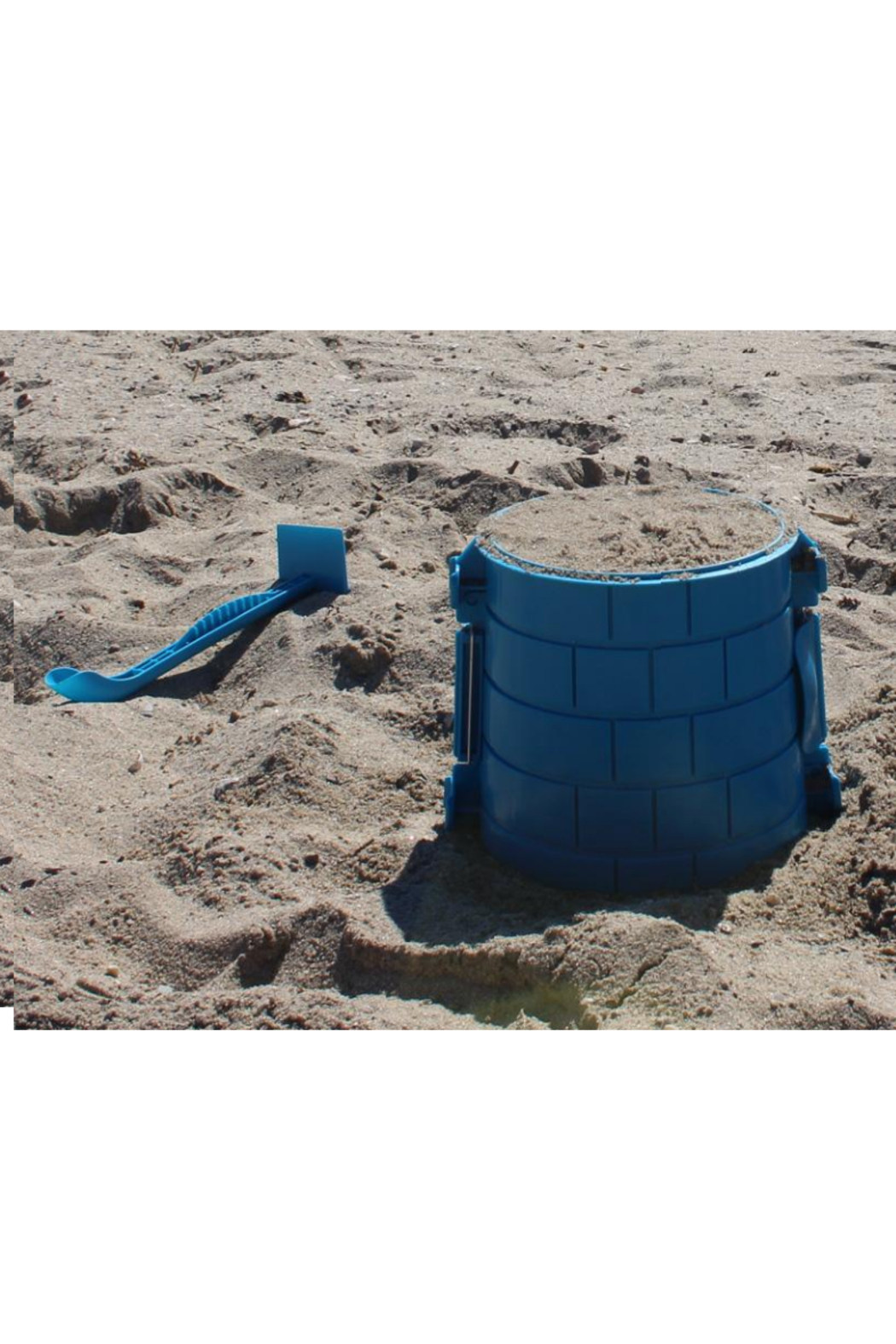 Create A Castle Sand & Snow Castle Kit - Basic Tower - Side Cropped Image