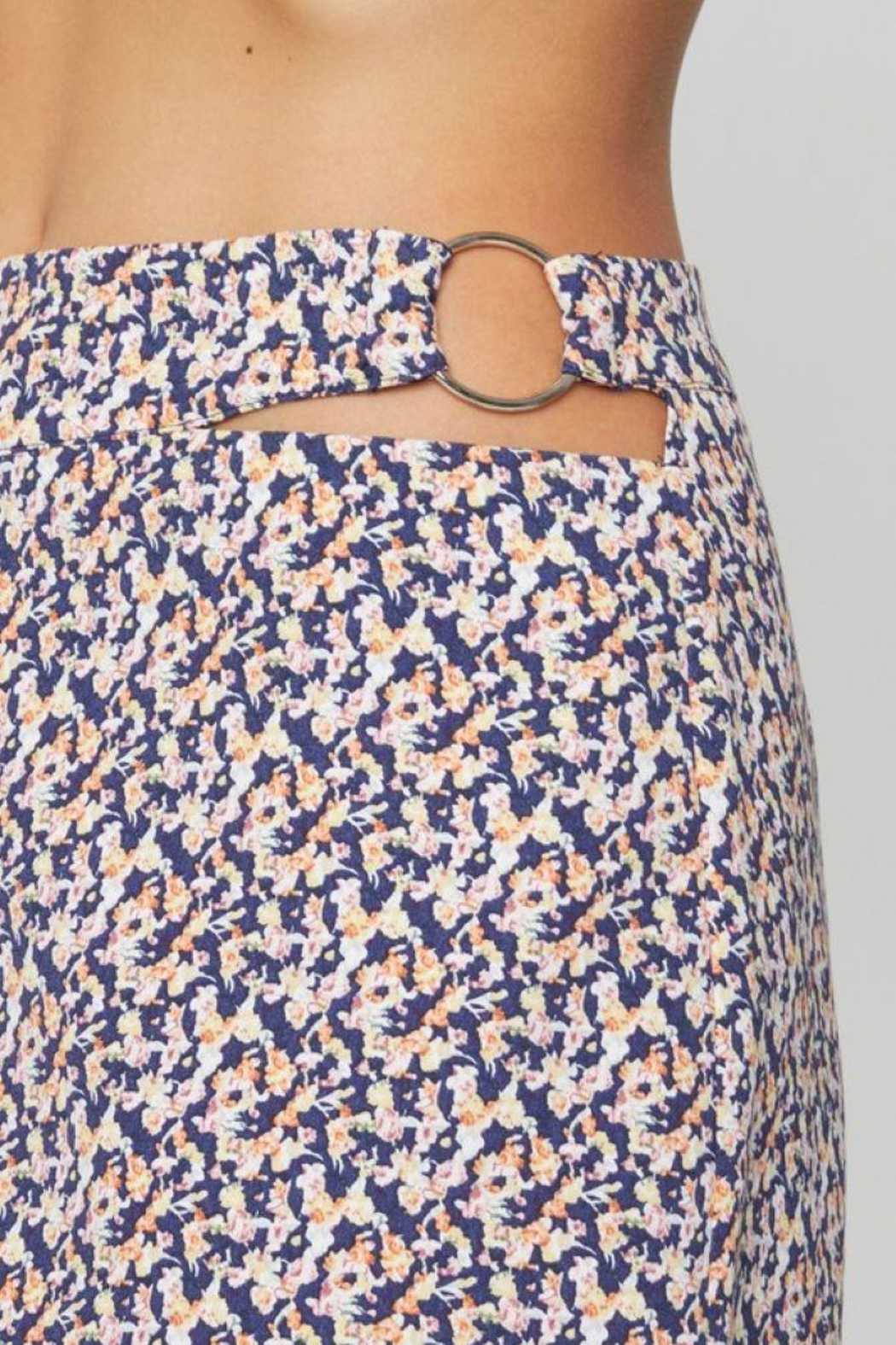 Sans Souci O Ring Cut Out Skirt - Side Cropped Image