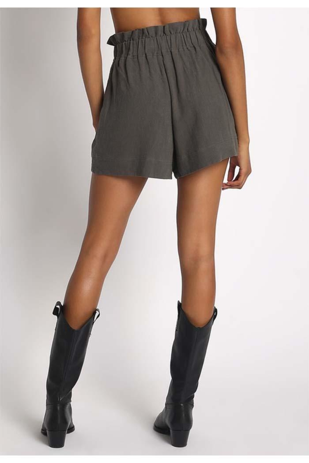 Sans Souci Olive Paperbag Shorts - Side Cropped Image