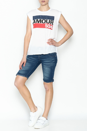 Sarah Ott Rolled Cuff Muscle Tee - Side cropped