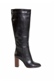 Atelier Sariah Leather Boot - Front cropped