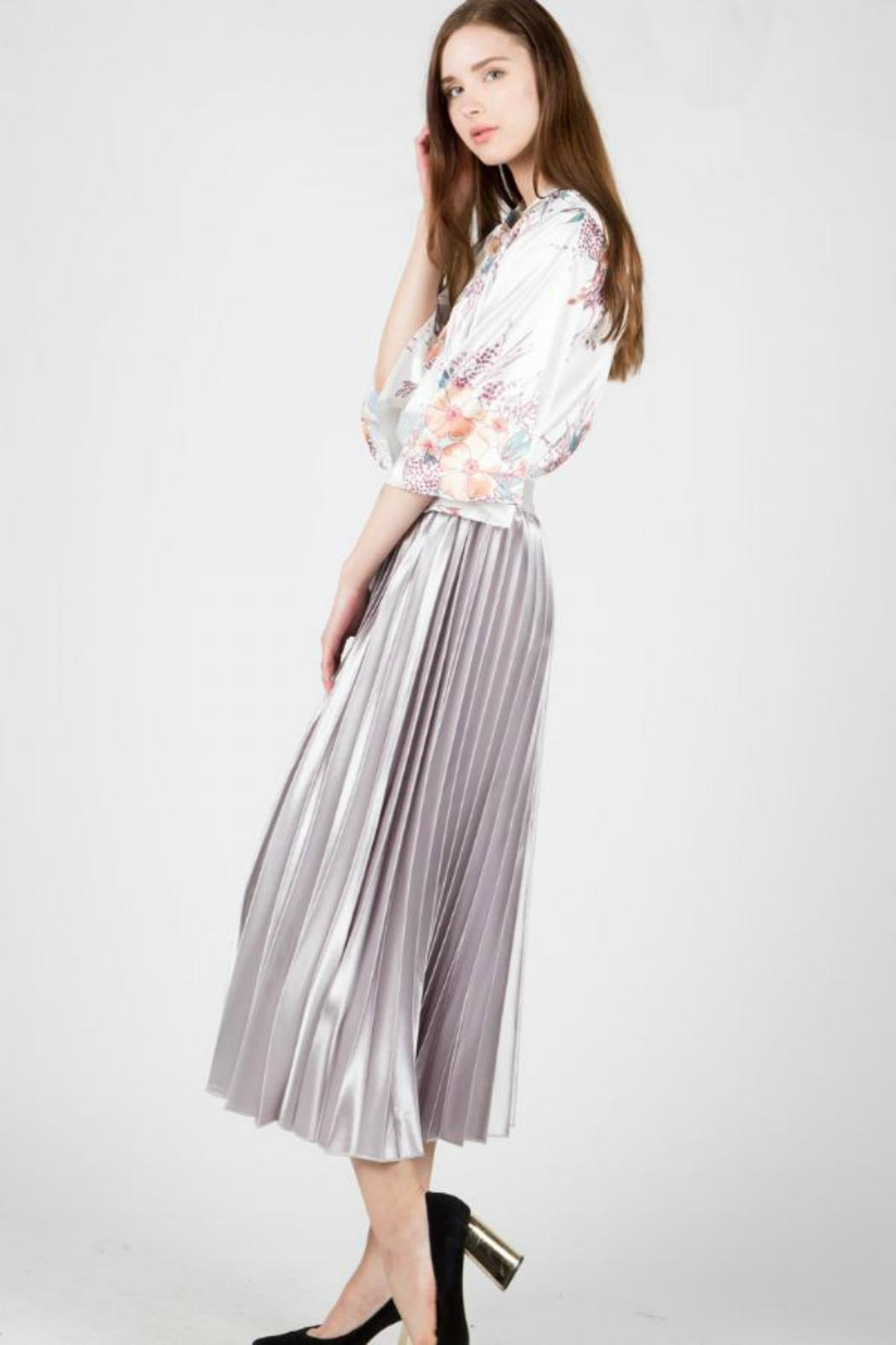 BEULAH STYLE Satin Pleated Skirt - Side Cropped Image
