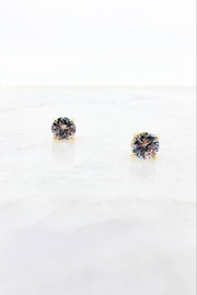 Southern Seoul Savannah Gold Stud Earrings - Front cropped