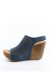 Bos and Co Savona Wedge - Front full body