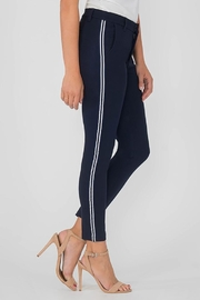 Kut from the Kloth Sawyer Stripe Trouser - Front full body