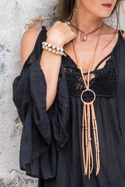Sayulita Sol Jewelry Pearl On Leather - Front cropped