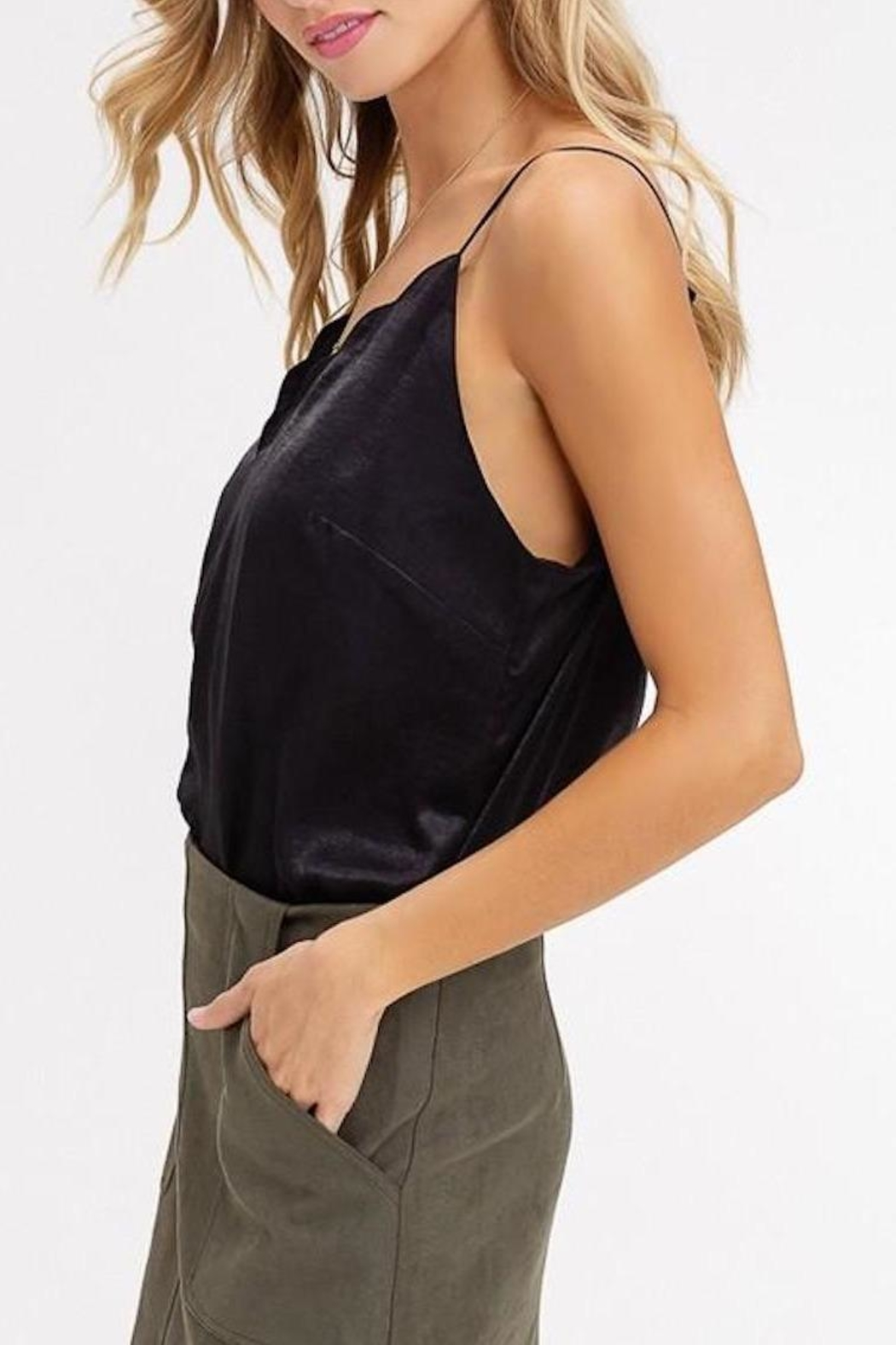 Listicle Scallop-Neckline Cami Top - Side Cropped Image