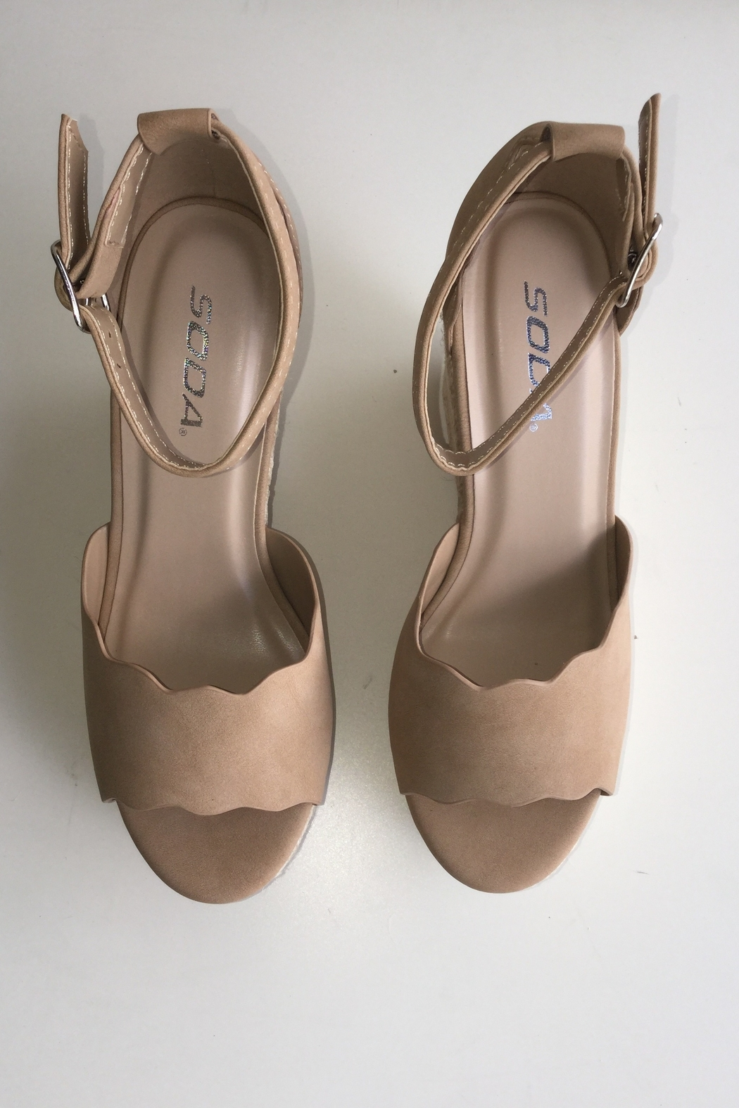 Soda Scalloped Detail Wedges - Side Cropped Image