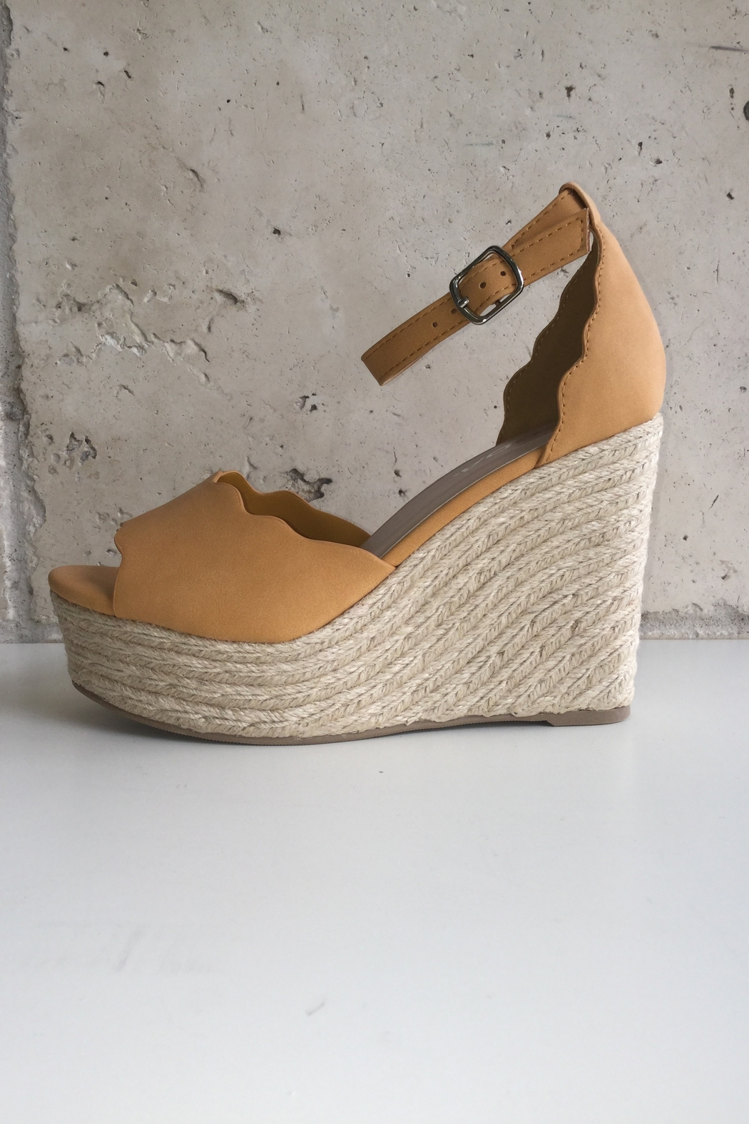 Soda Scalloped Detail Wedges - Front Full Image