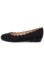 Brenda Zaro Scalloped Goose-Bump Flat - Front cropped