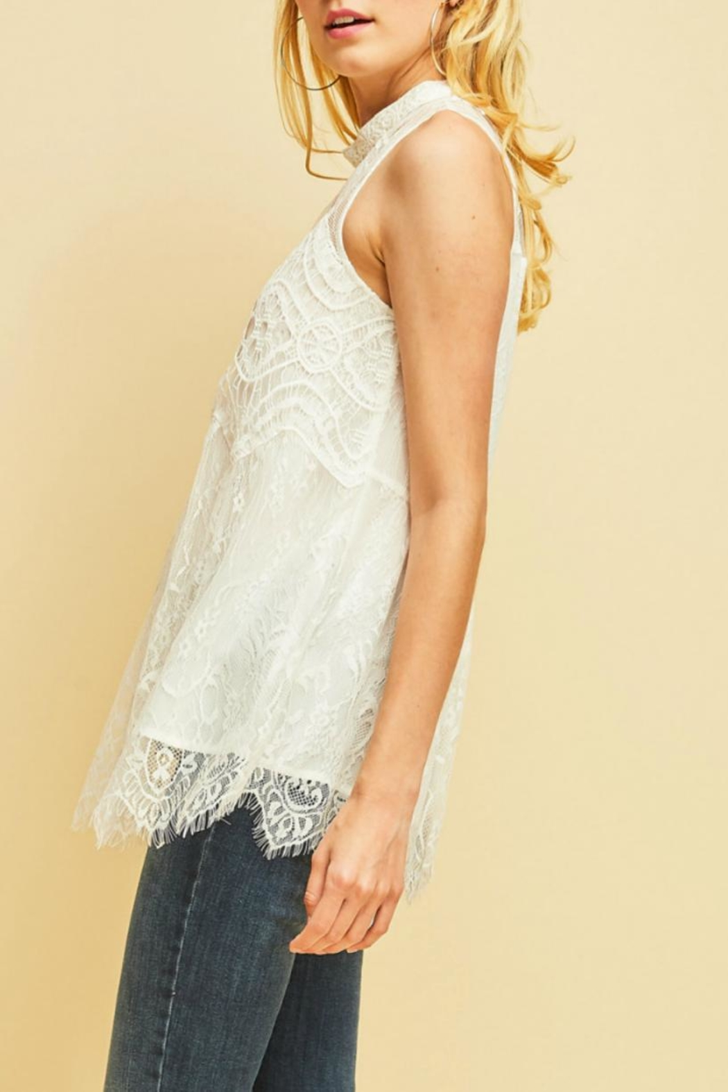 Entro Scalloped Lace Top - Side Cropped Image