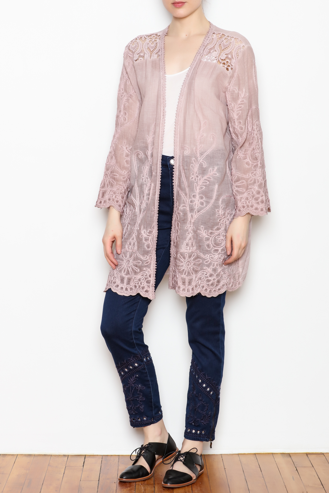 SCANDAL Embroidered Lace Kimono - Front Full Image