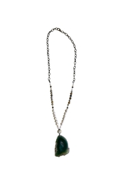 Scooples Emerald Agate Necklace - Front cropped