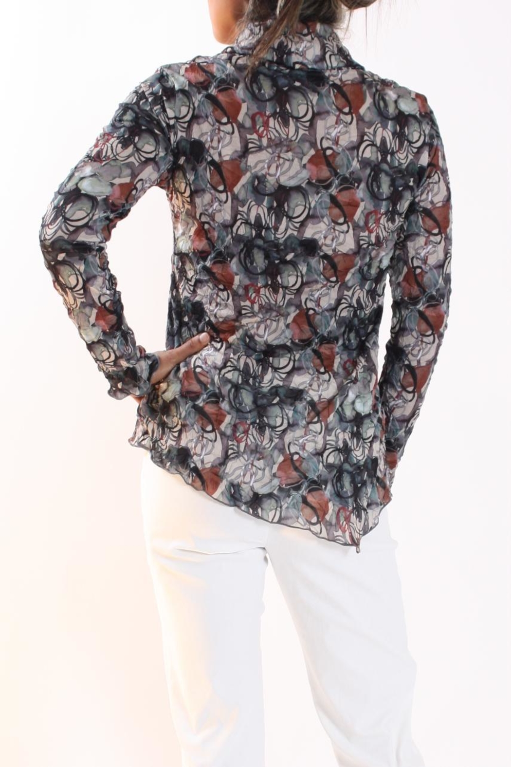 64cb9004e11 Talk of the Walk Scribble Floral Top from New Jersey — Shoptiques