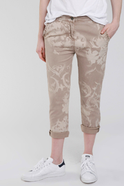 Baci Scroll Print Ruffle Pocket Pant - Product Mini Image
