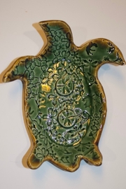 Iris Grundler Pottery Sea Turtle soap dish - Front cropped